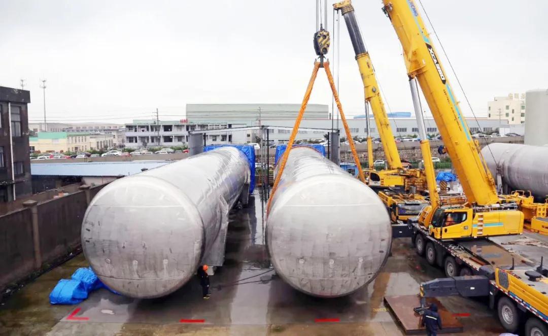 中集圣达因交付国内最大LNG双层船用燃料罐