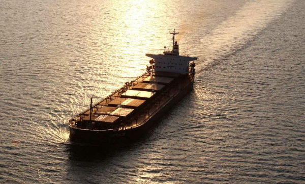 来宝集团出售旗下一艘超巴拿马型散货船