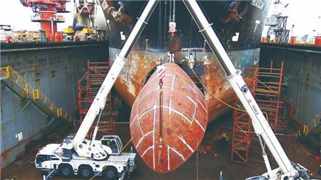 """中国修船业""""点亮""""绿色转型新航标"""