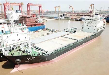 大洋海装一艘6500DWT多用途船试航