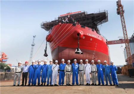 中船澄西1号21500吨自卸船顺利下水