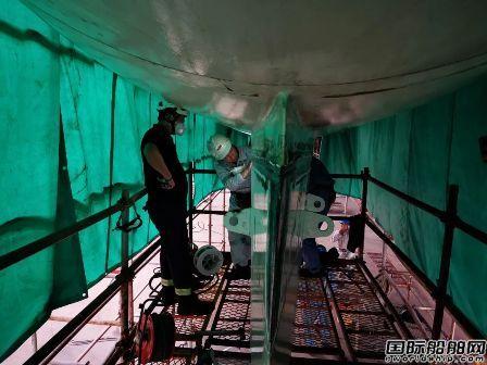 厦船重工2800客邮轮型客滚船吊舱安装圆满完成