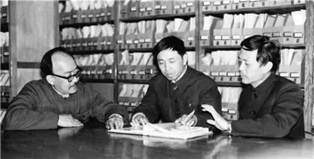 """""""中国潜艇之父""""邓三瑞逝世"""