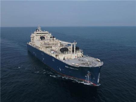 沪东中华建造全球最大LNG加注船亮相工博会获金奖