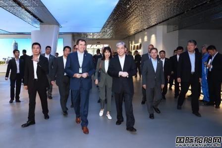 中国船舶集团长兴造船基地迎来外国驻华使节代表团