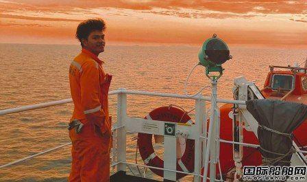 """30万名海员依然被困船上!联合国""""世界海事日""""聚焦船员换班危机"""