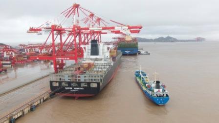 全国首单跨港区国际航行船舶供油业务落地洋山港