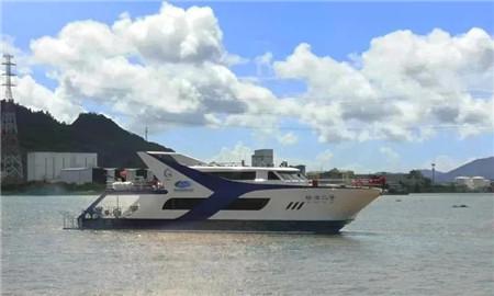 亚光集团交付蜈支洲岛32米潜水接待船