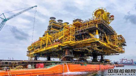 海油工程建造世界最大桁架式半潜平台组块完工装船
