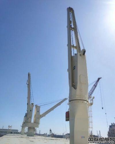 华南船机新签8船套共32台重型船用起重机订单