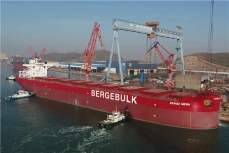 渤船重工建造21万吨散货船22号船试航