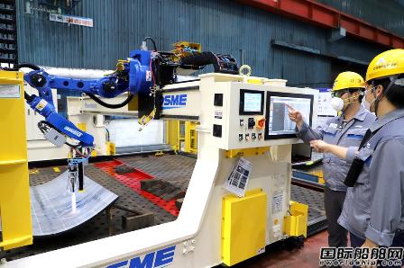 大宇造船推出全球造船界首个AI热加工机器人