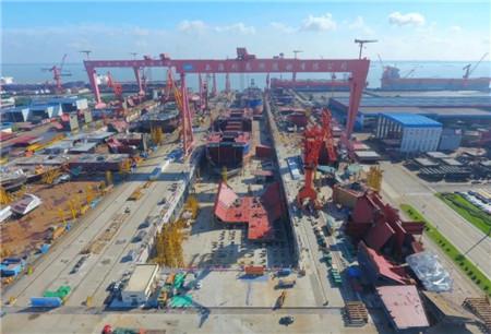 外高桥造船国产首制大型邮轮连续搭载进入倒计时