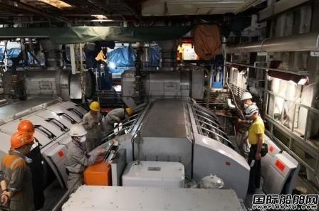 厦船重工2800客邮轮型客滚船主机动车成功