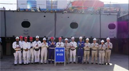 外高桥造船为PTM公司建造第2艘11.4万吨阿芙拉原油轮下坞