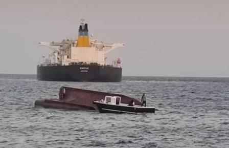 希腊一艘油轮和土耳其渔船相撞5人死亡