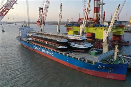 """一次4艘!中远海运特运""""天恩""""轮成功首装大驳船"""