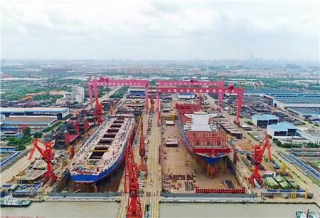 外高桥造船与浦东共起舞同发展