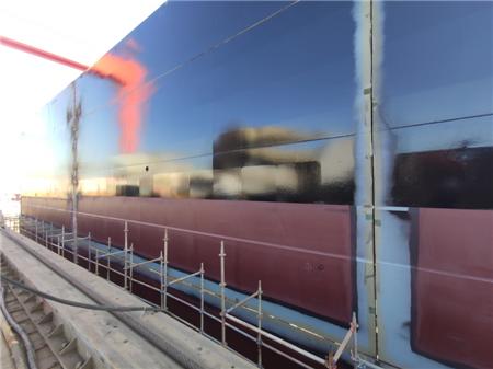 黄船海工11月船舶出坞下水坞期节点顺利完成