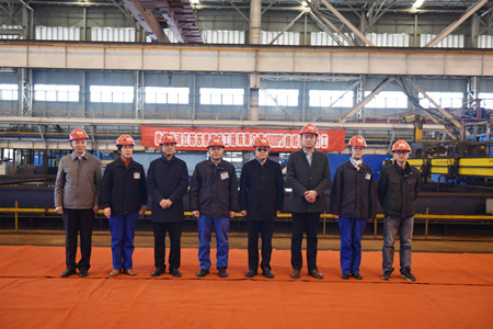 镇江船厂3234kW全回转消拖两用船顺利开工