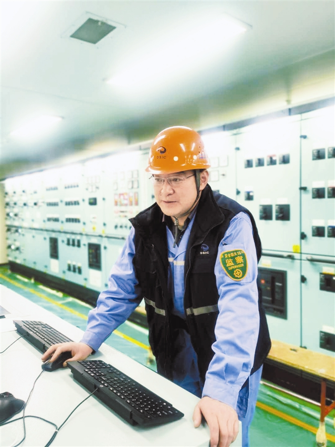 大船集团李安戈,建造1万标箱到30万吨油轮的参与者