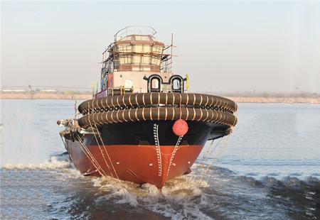 镇江船厂又一艘5000马力全回转拖轮顺利下水