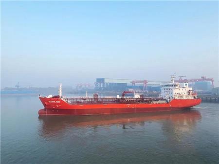 江苏海通一艘7500吨油船圆满试航归来