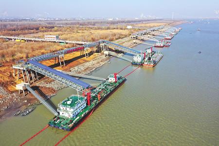 武汉化学品船舶洗舱站正式投用