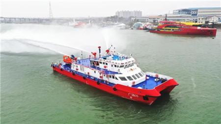江龙船艇建造新型钢铝双体消防船即将交付