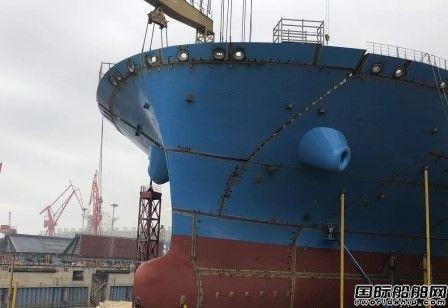 沪东中华提前完成达飞首艘15000TEU集装箱船主甲板贯通