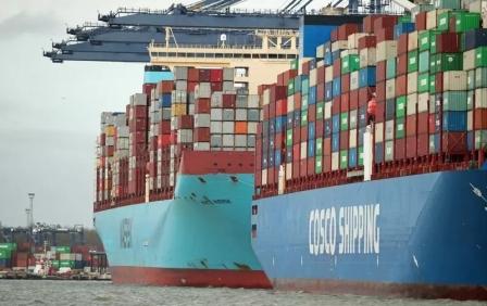 """跑一趟赚一艘船?""""疯狂""""的集装箱船市场将迎来订单狂潮"""