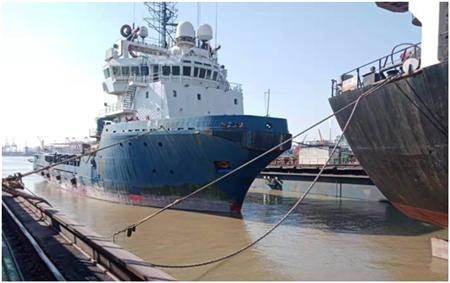 广东中远海运重工六船双双入三坞