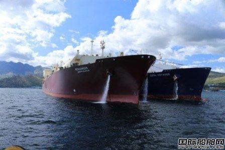 全球最大LNG船完成首次商业船对船转运