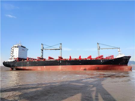 长宏国际新年首艘船舶试航成功凯旋