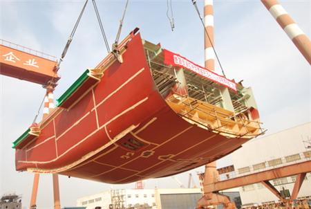 镇江船厂3676kW消拖两用全回转船顺利搭载