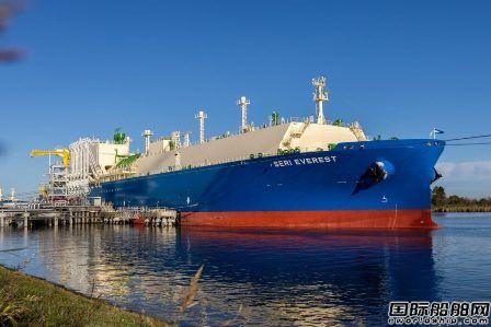 卫星石化租赁全球最大VLEC首次满载货物驶往连云港