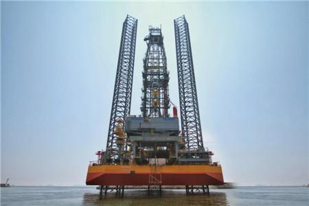 """大连中远海运重工建造""""SMS ESSA""""号自升式钻井平台正式开钻"""