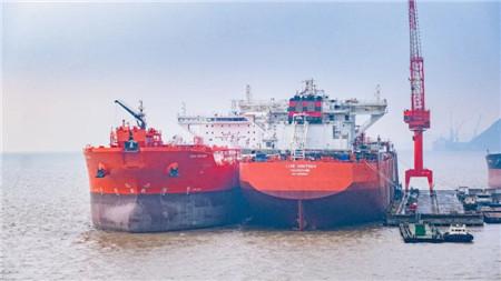 舟山中远海运重工同日完成两船发电机动车节点