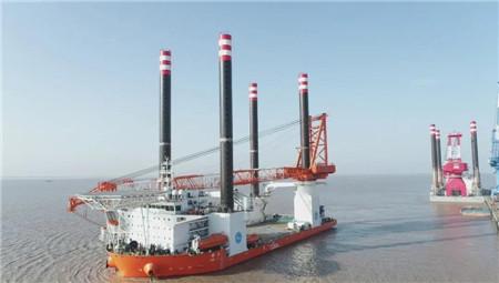 """振华重工1200吨插桩式抢险打捞工程船""""群力""""轮试航凯旋"""