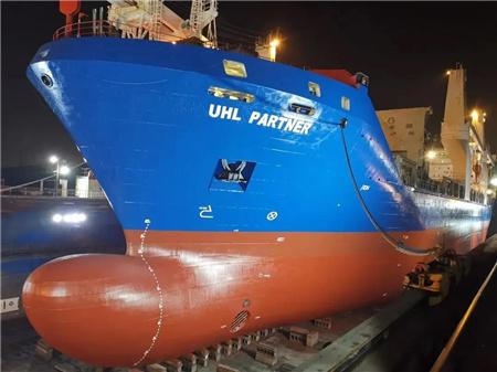 广东中远海运重工技术改良自主完成大尺寸桨叶机加工