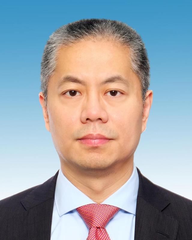 张为任上海市副市长,系中远海运集团副总经理