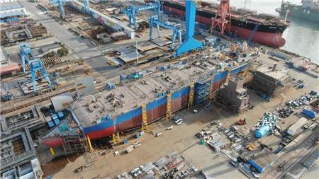 南通中远海运船务15000吨DP穿梭油轮完成重要节点