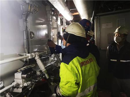 威海金陵W0269船开启滚装设备液压调试工程