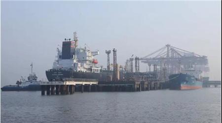 全球首次!一艘全部由女船员执掌的液货船今天起航了