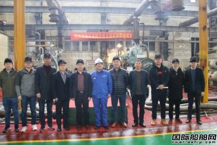 安柴公司两台6DKM-20(e)柴油机成功交验
