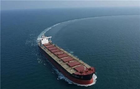 外高桥造船建造21万吨散货船H1519船试航凯旋