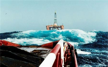 Solstad Offshore出售了2艘三用工作船