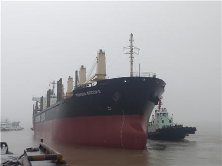 舟山华丰船舶去年修船近400艘业务紧张饱满
