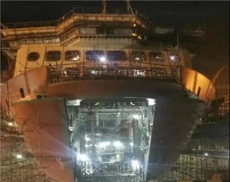 威海金陵W0270船一日完工滚装设备两节点