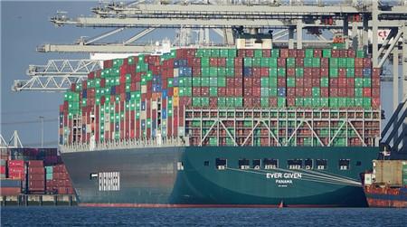 详解苏伊士运河塞船:一艘船如何掐住全球贸易的咽喉